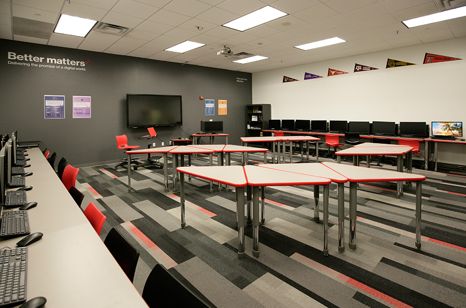 Dallas Harmony High School Tech Room